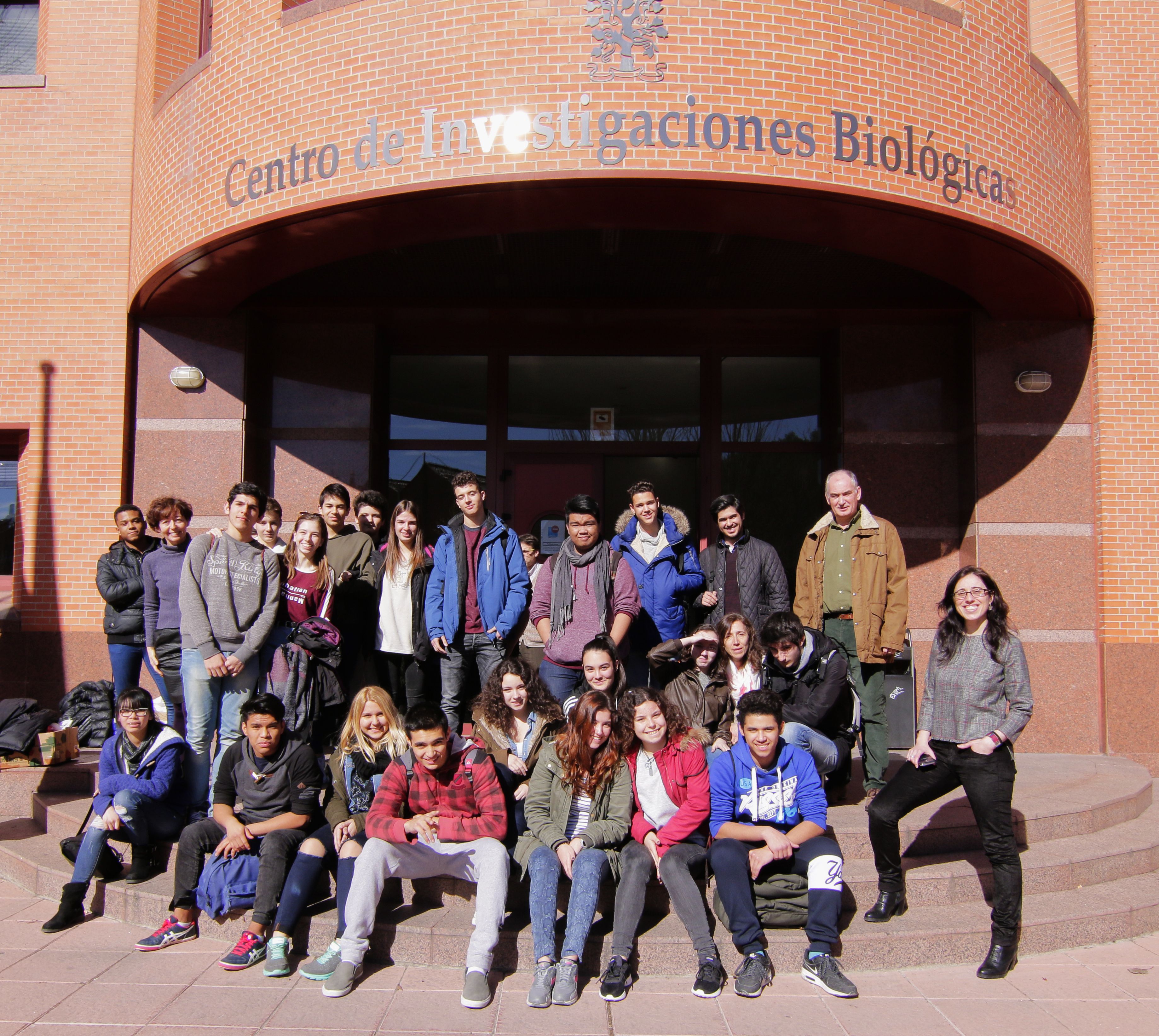 Students from I.E.S. Arturo Soria visit CIB